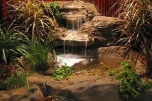 skalna kaskada ogrodowa z betonu pod twoim domem